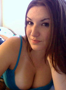 Kayla Shows Off Her Tiny Landing Strip - Picture 1